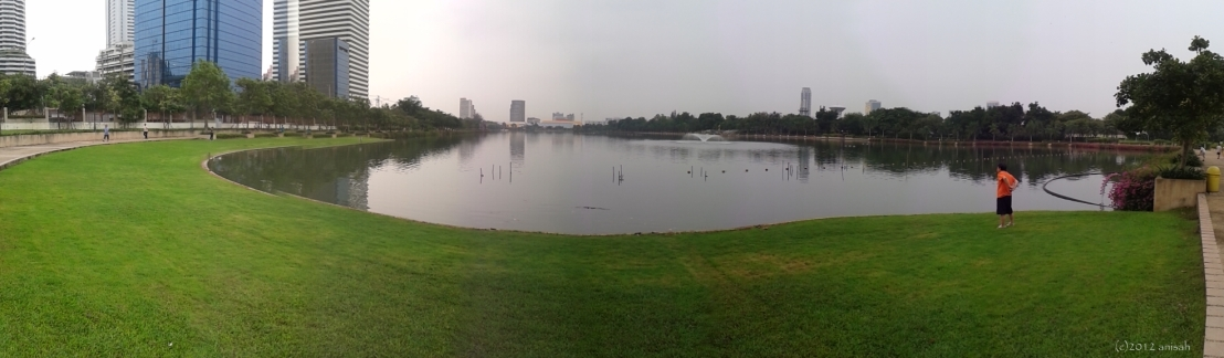 Benjakitti Park: Taman PanjangBerdanau